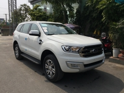 Giá xe Ford Everest 2.2 Titanium AT
