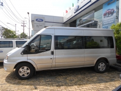 Giá xe Ford Transit