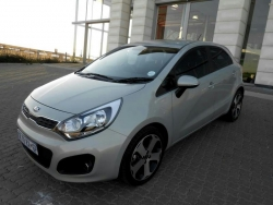 Giá xe Kia Rio 1.4L sedan (4D AT)