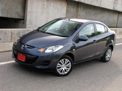 Giá xe Mazda 2 số tự động 6AT sedan