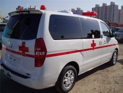 Hyundai Starex 2.5 MT cứu thương máy dầu