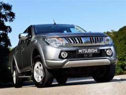 Giá xe Mitsubishi Triton 2.5 GLS máy dầu số sàn