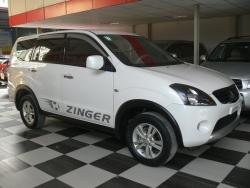 Giá xe Mitsubishi Zinger GLS AT