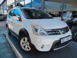 Giá xe Nissan Livina 1.8L AT