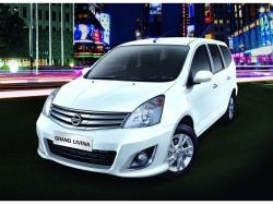 Giá xe Nissan Grand Livina Highway Star Autech