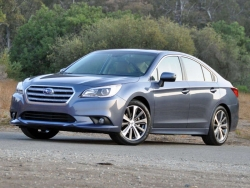 Giá xe Subaru Legacy