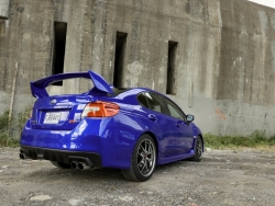 Giá xe Subaru Impreza WRX
