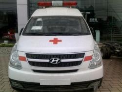 Giá xe Hyundai Starex 2.4 MT cứu thương máy xăng